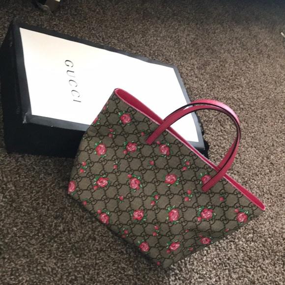 f2be488a3e4 Gucci Handbags - Little Girl Gucci Purse